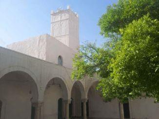 مئذنة جامع زاوية عمورة من الداخل .